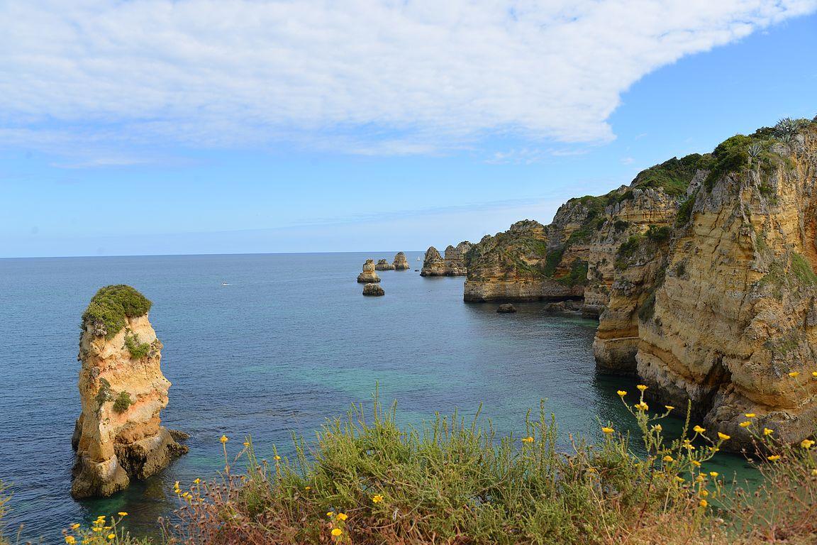 Algarven rannikko tarjoaa iloa silmälle.