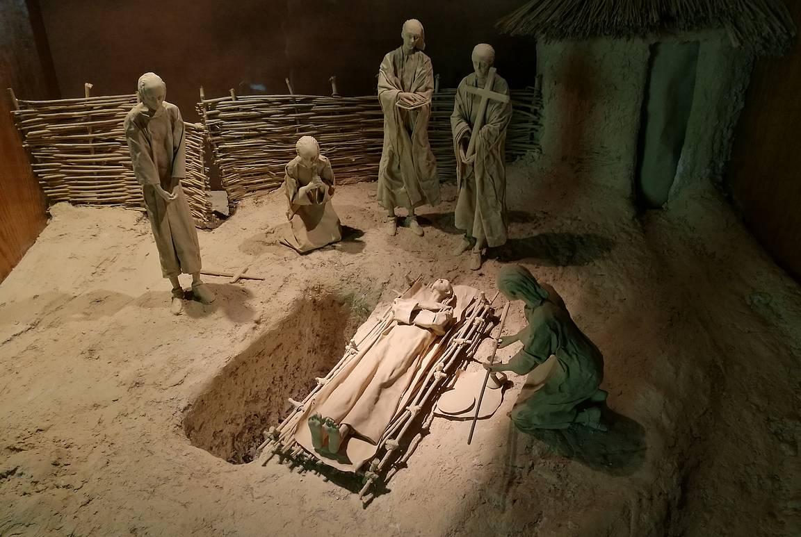 Vierailukeskuksessa on mielenkiintoinen näyttely Clonmacnoisen historiasta.