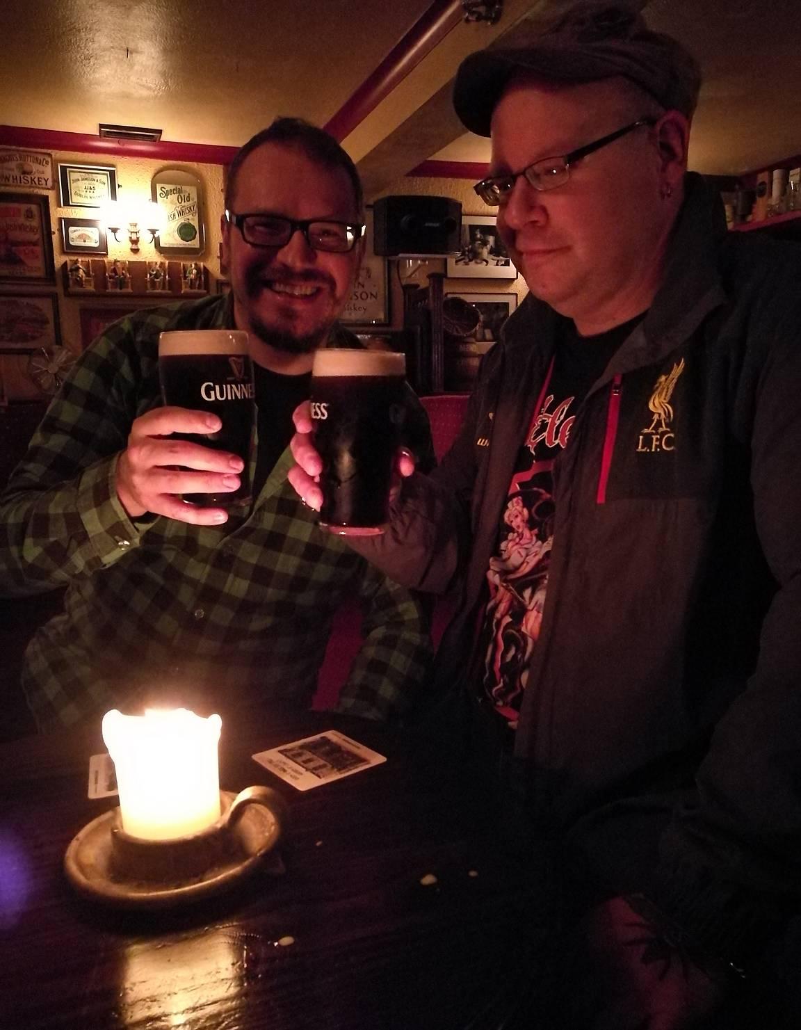Maistui se Guinness myös Irlannissa 16 vuotta asuneen ystäväni kanssa Connemaran lukuisissa pubeissa.