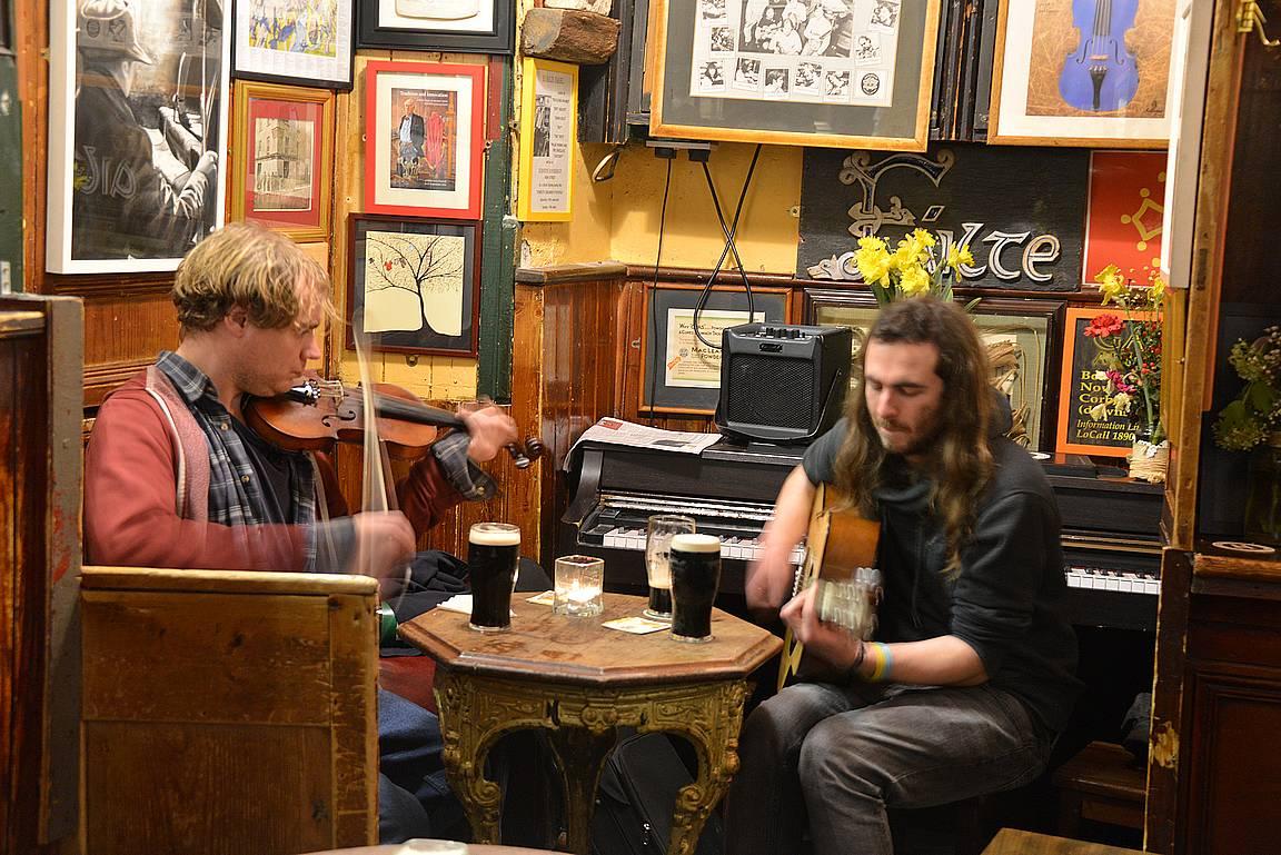 Galwayn ilta päättyi näiden herrojen tahdissa.