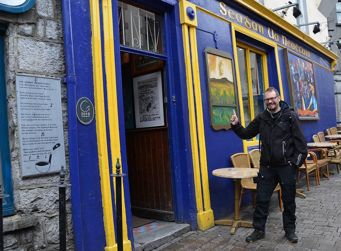 Tigh Neachtain (Sehan Ua Neachtain) on Galwayn paras pub.