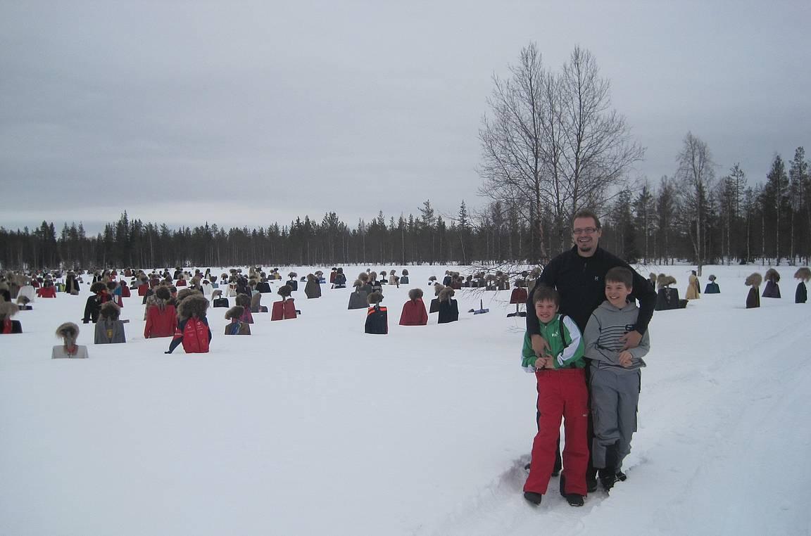 Matkalla Kuusamoon kevättalvella 2011. Koivu on tullut tiensä päätökseen tämän jälkeen.