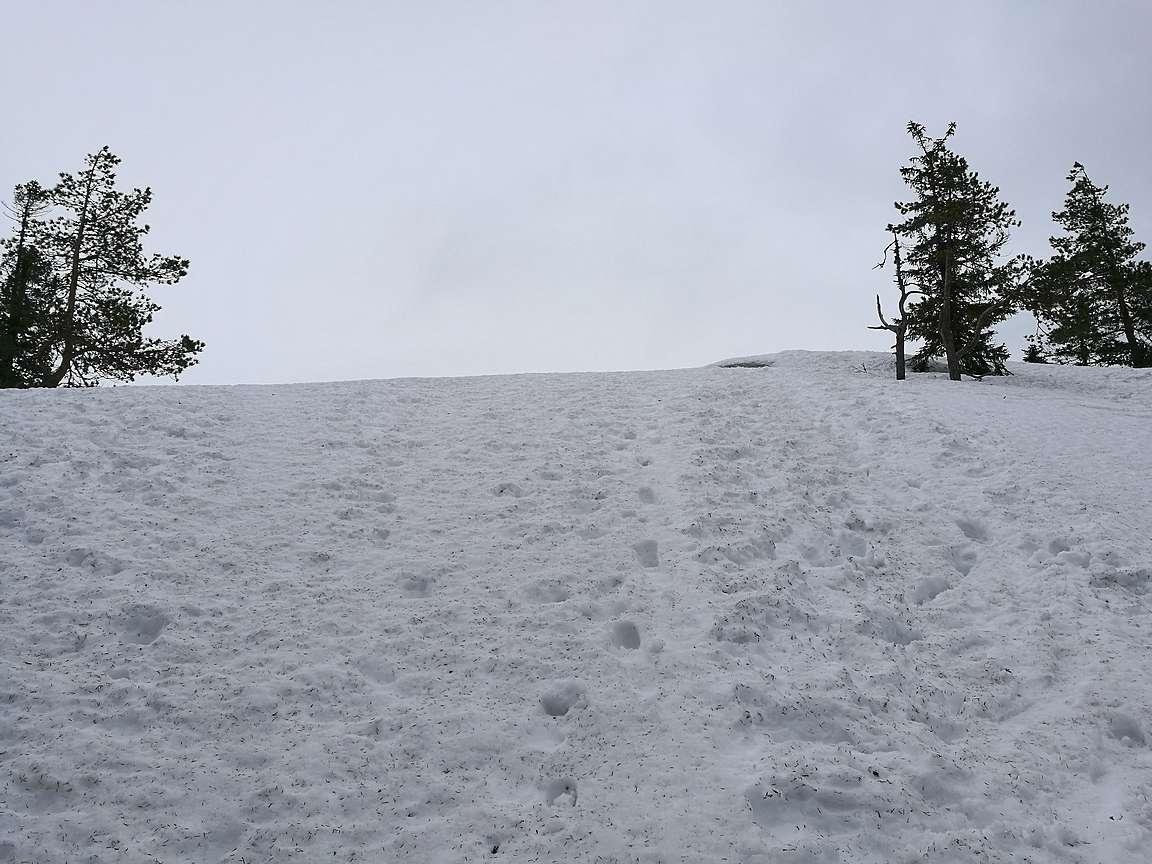 Akka-Kolille nousu oli lumikengillä helppoa.