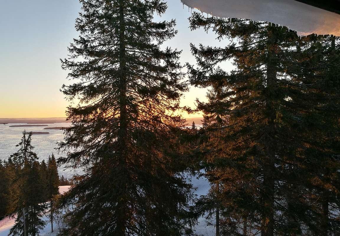 Kansallismaiseman ja kuuluisan auringonnousun voi katsoa jopa hotellihuoneen ikkunasta.