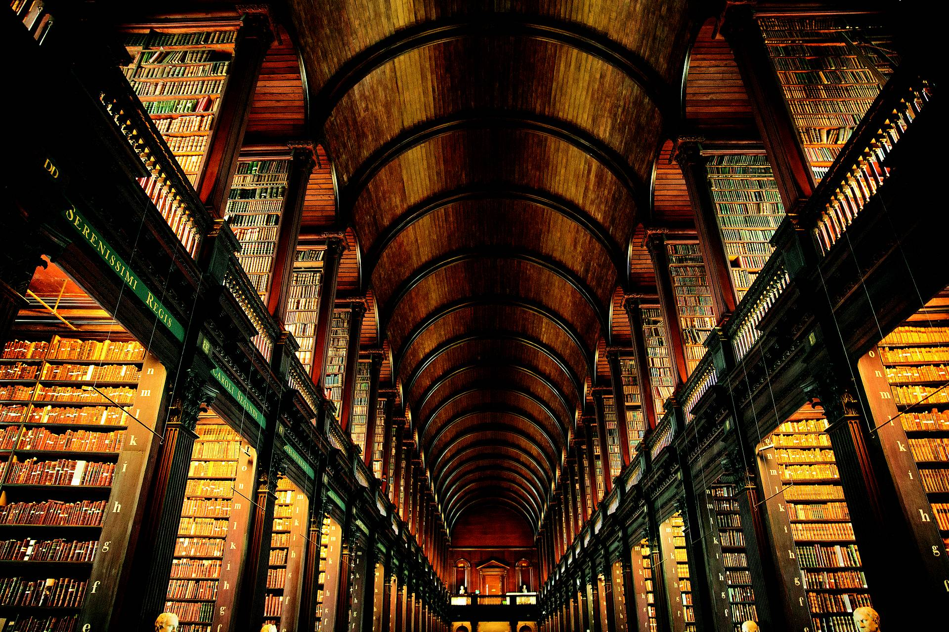 Trinity College copyright Tourism Ireland