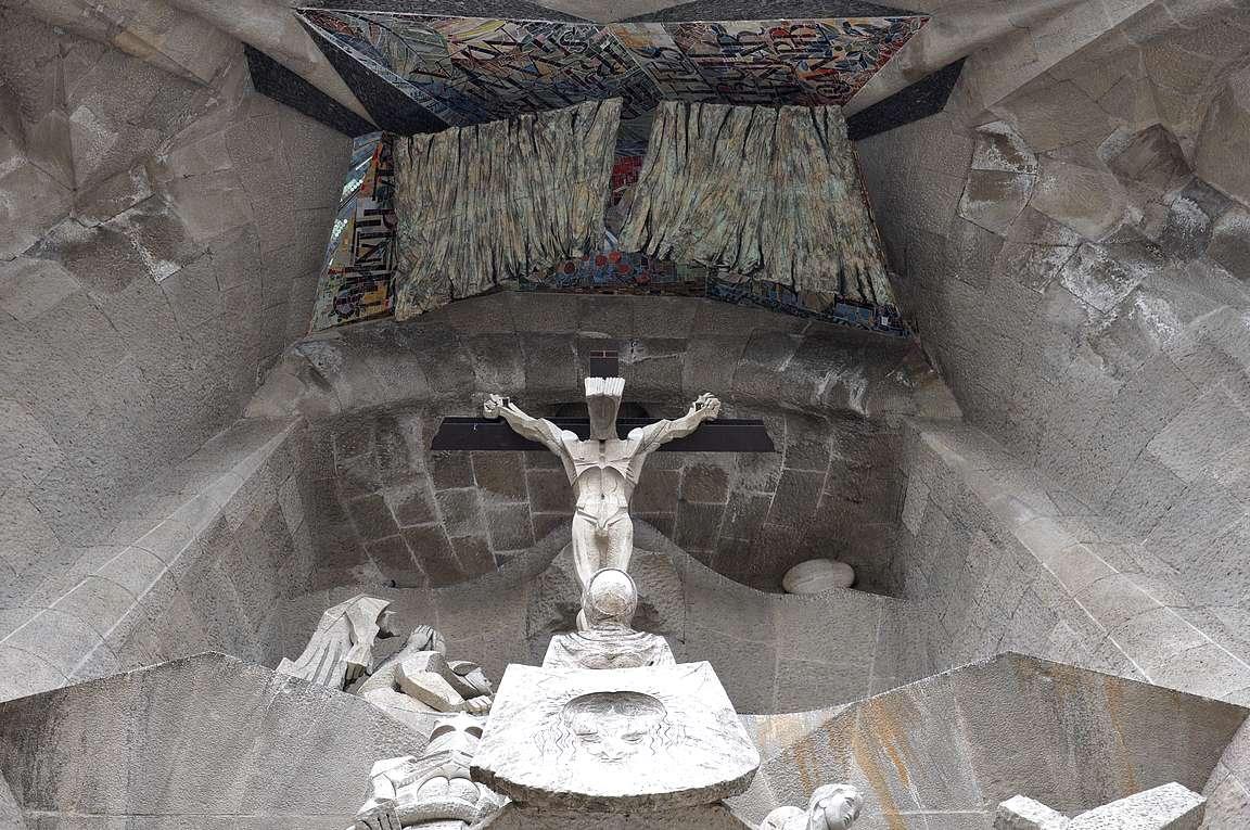 Sagrada Familia on täynnä upeita yksityiskohtia.