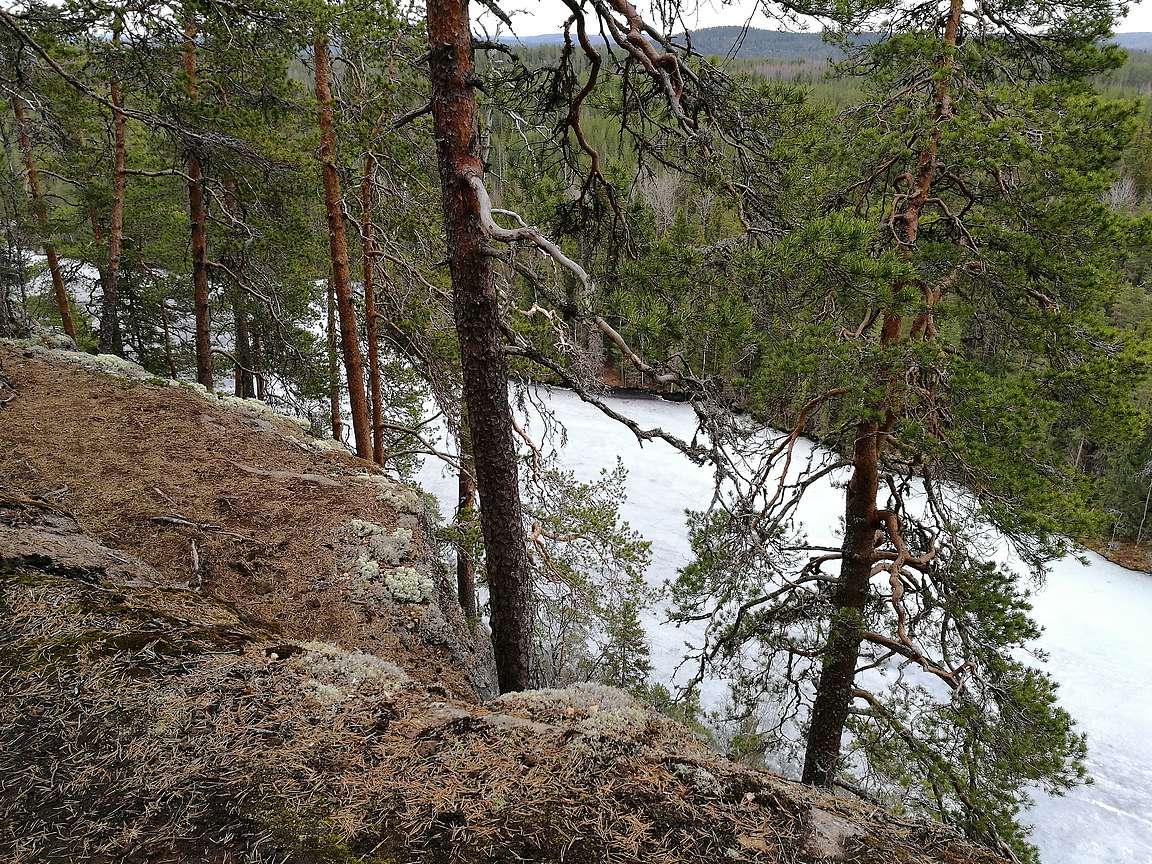 Kalajanvuoren huipulta avautui useampaan suuntaan upeat maisemat.