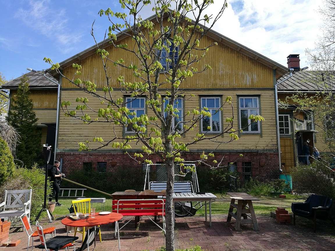 Toukolaakso eli Tom Laaksosen lapsuuden koulurakennus.