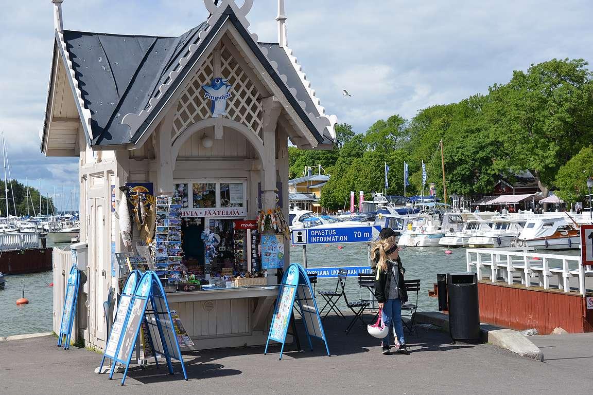 Naantalin satamassa oleva kioski on tuttu Risto Räppääjäelokuvien faneille.