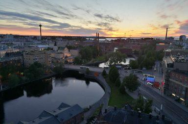 Hotelli Ilveksen yläkerroksista avautuu yksi Suomen upeimmista kaupunkimaisemista.