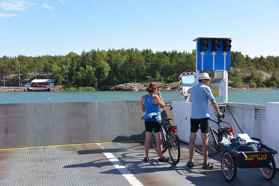 Polkupyöräilyyn on vuokrattavana jokaiselle sopivat varusteet Ro-No:lta.