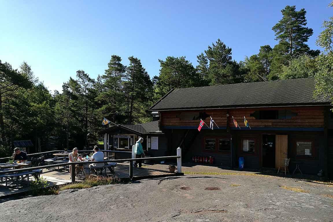Sändösunds Camping Vårdön saarella.