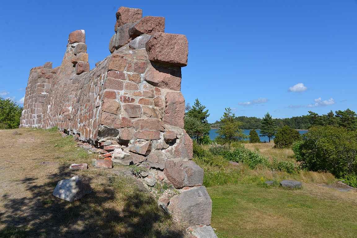 Bomarsundin linnoitus on ollut Ahvenanmaan isoin rakennus.