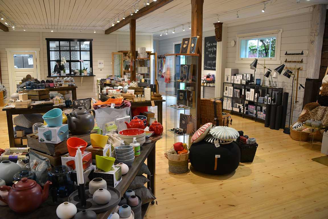 Kesäkuussa aukesi Wehmais Deli&Deco -kauppa, jonka valikoimissa on paikallisia ruoka-, luomu- sekä sisustustuotteita.