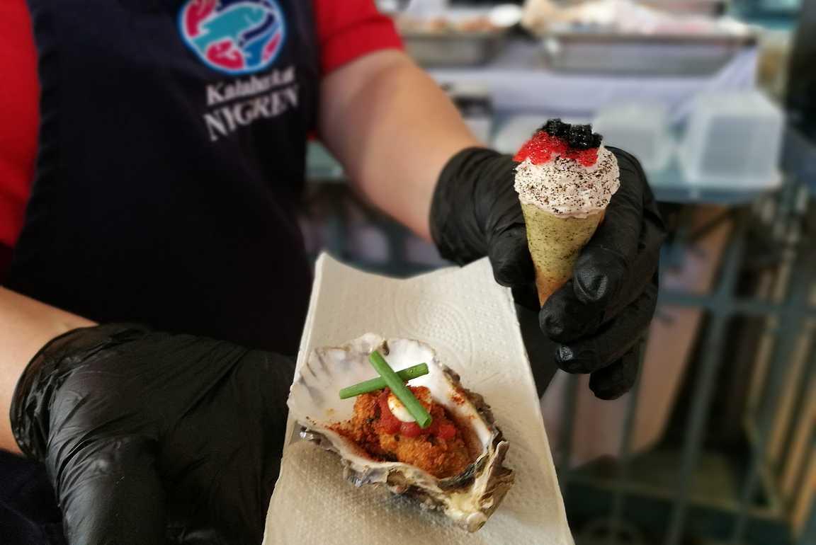 Kalaherkut Nygrénin osteri ja 4 Vuodenaikaa ravintolan kuningasrapumoussetuutti.