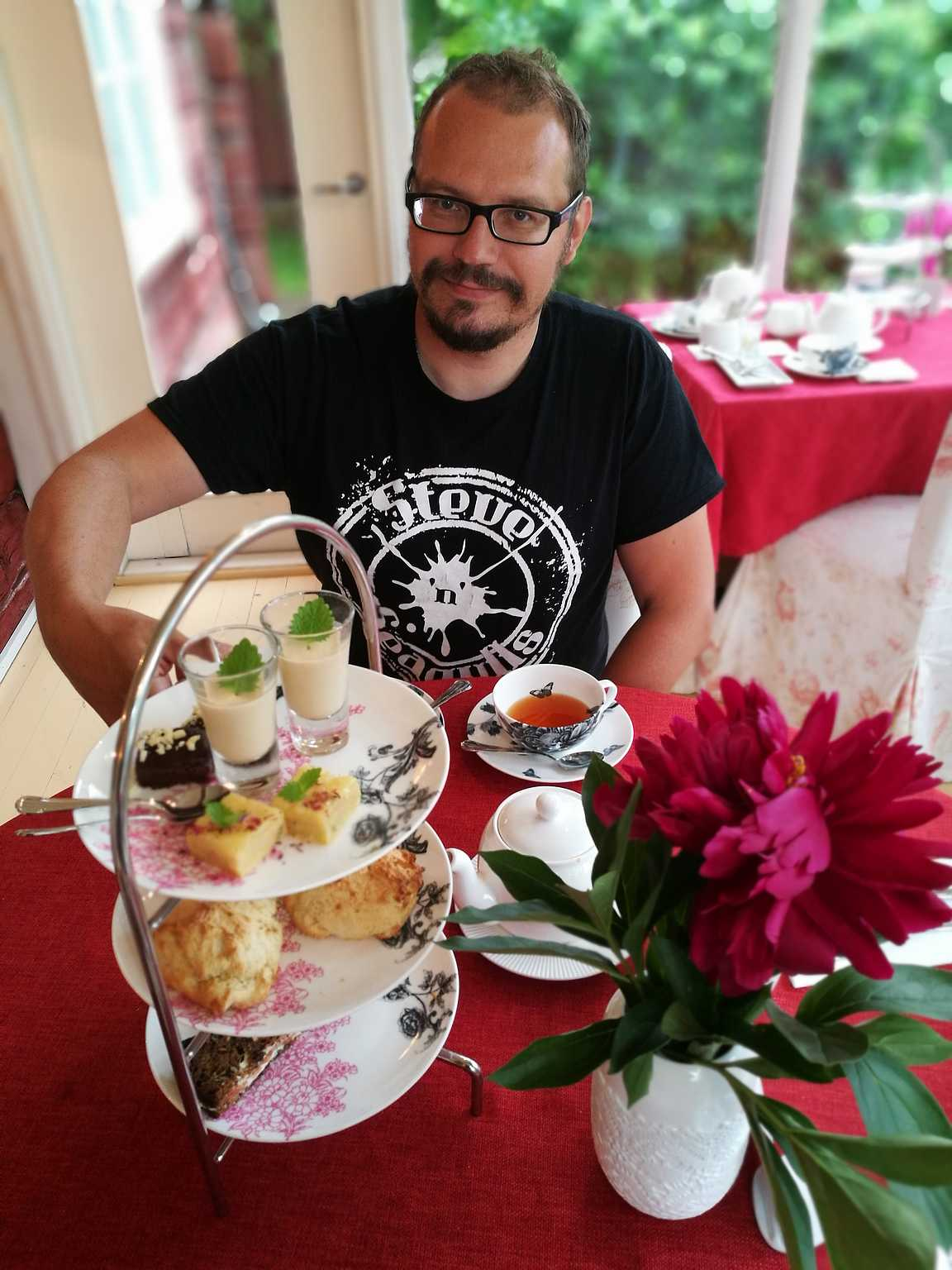 Kello viiden tee - TeaHouse of Wehmais.