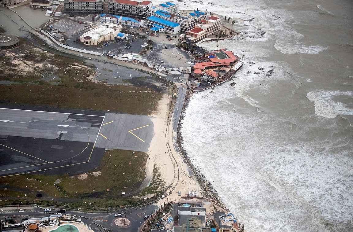 Maho Beach hurrikaani Irman jäljiltä copyright Koninklijke Marine