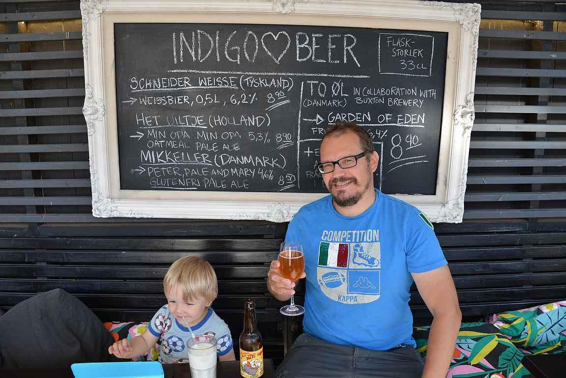 Pojalle iso maito ja isälle pieni pienpanimo-olut - meniköhän koot nyt oikein päin?