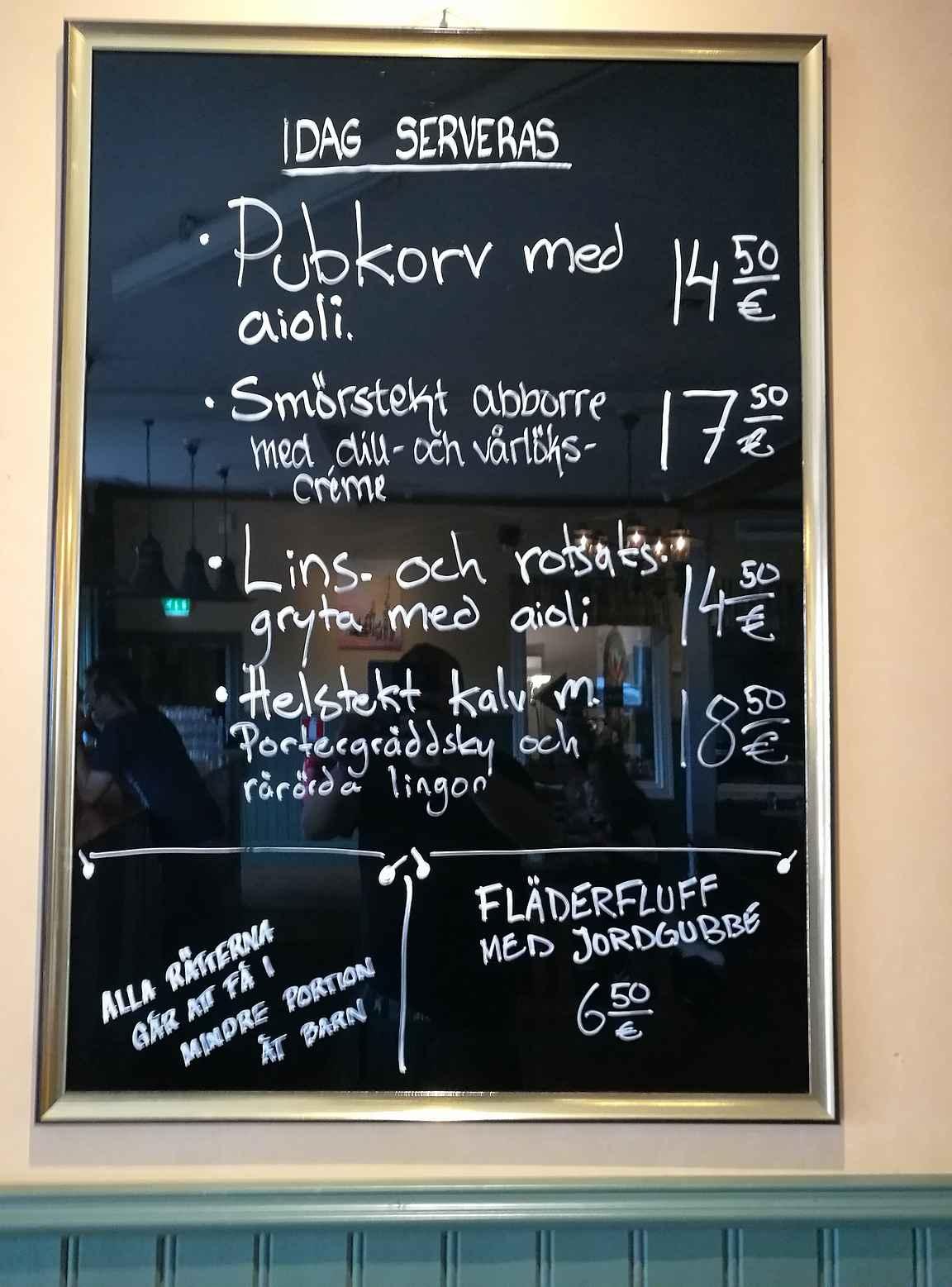 Päivän menu ehti vaihtumaan meidän vierailuaikanakin.