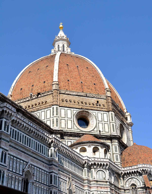 Firenzessä kannattaa kiivetä myös Santa Maria del Fioren eli Firenzen katedraalin kupoliin.