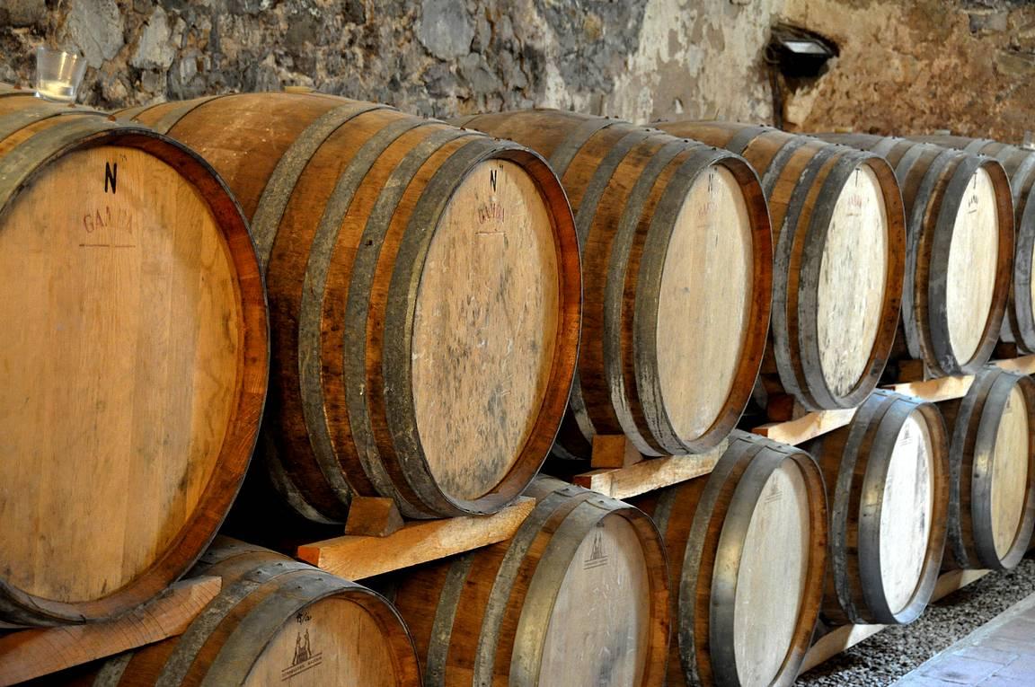Viinitilavierailut ovat samalla tutustumista Toscanan historiaan.