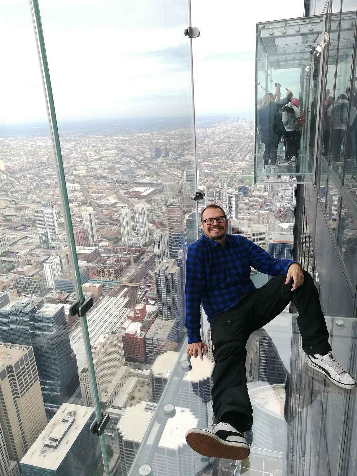 Willis Towerin näköalatasanteella.