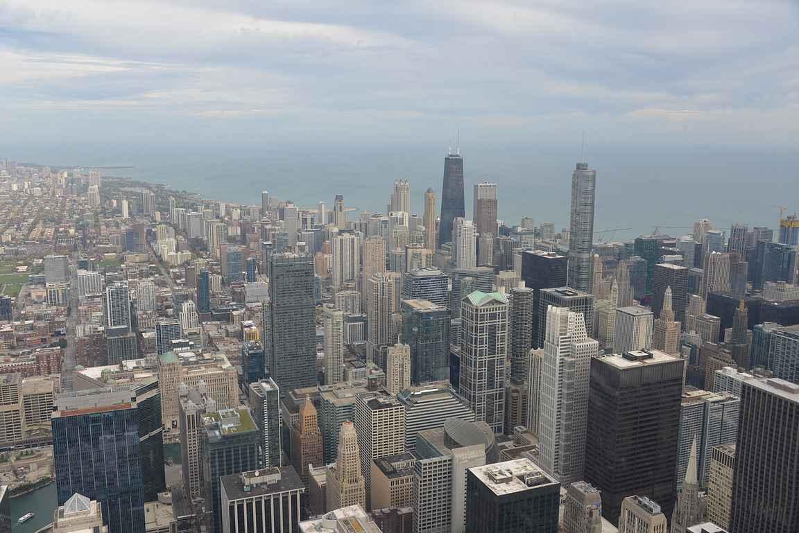 Valitsi sitten Chicago 360 tai Willis Towerin, niin näköalat on upeat mihin aikaan tahansa vuorokaudesta.