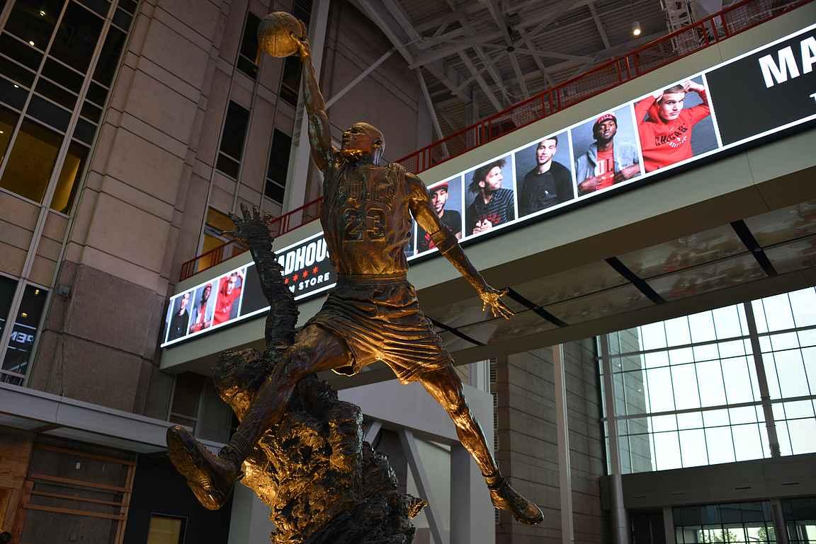 Michael Jordan - kaikkien aikojen Bulls ja ehkäpä koko NBA-liigan paras pelaaja.