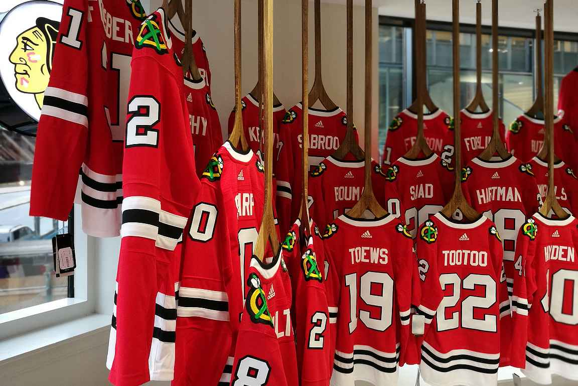 Blackhawksin fanikauppa Chicagon keskustassa.