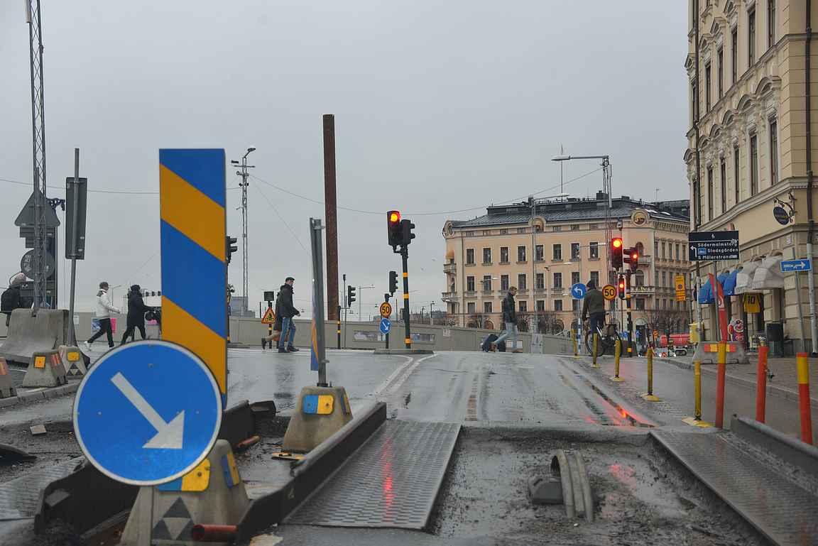 Joulukuisena sunnuntaina sai ajella rauhassa Tukholman keskustassa. Pienet liikenteen työmaat eivät ajelua haitanneet.