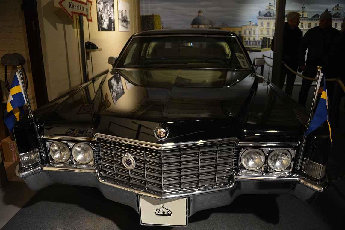 Myös kaksi kuninkaallista autoa oli myös esillä.