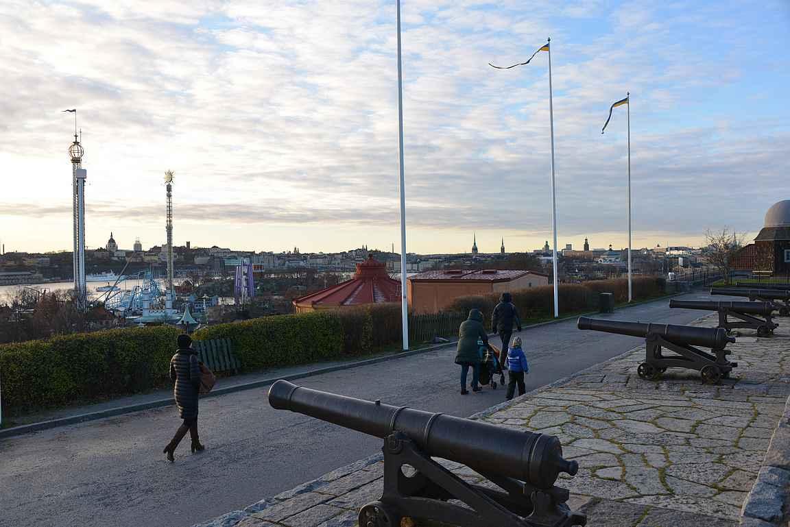 Skansenista avautuu mukavat maisemat Tukholman keskustaan.