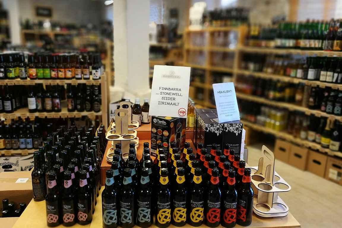 Pienpanimo-oluiden lisäksi tarjolla on virolaisia käsityöläissiidereitä.