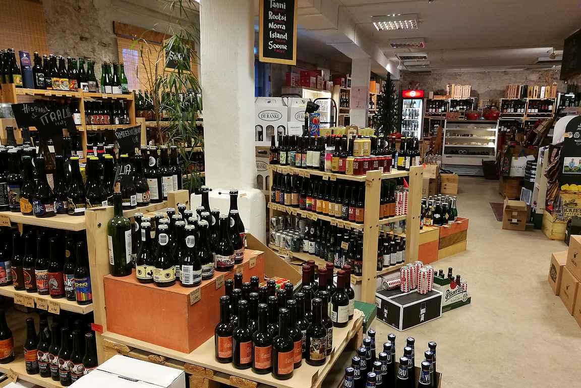 Oluen ystävälle Tallinna tarjoaa erinomaiset kaupat pienpanimo-oluiden ostamiseen.
