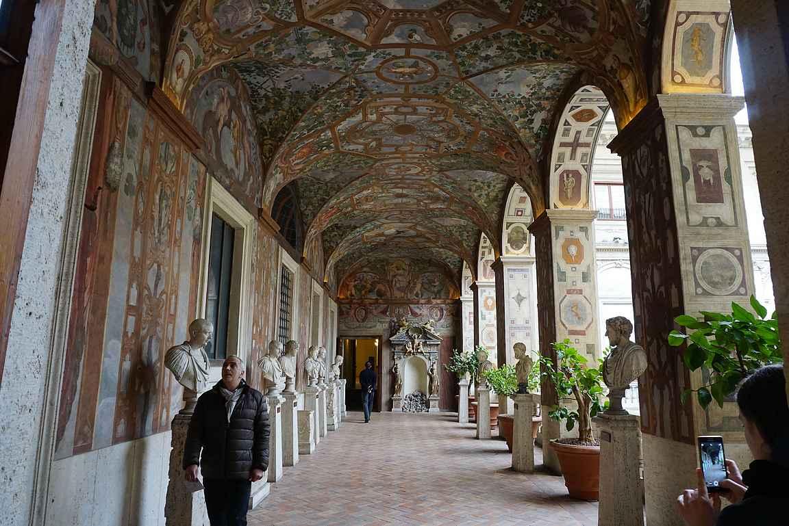 Palazzo Altemps copyright Kukkulalta / Heli