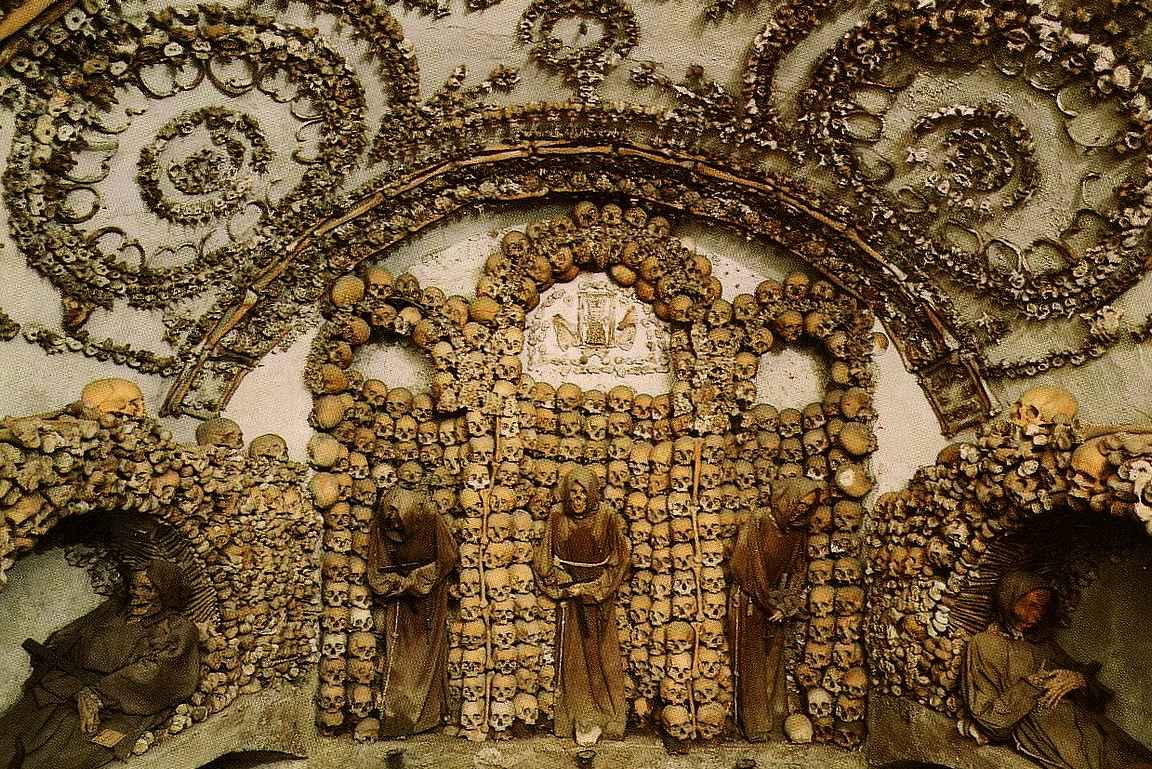 Kapusiinimunkkien krypta (Cripta dei Frati Cappuccini)