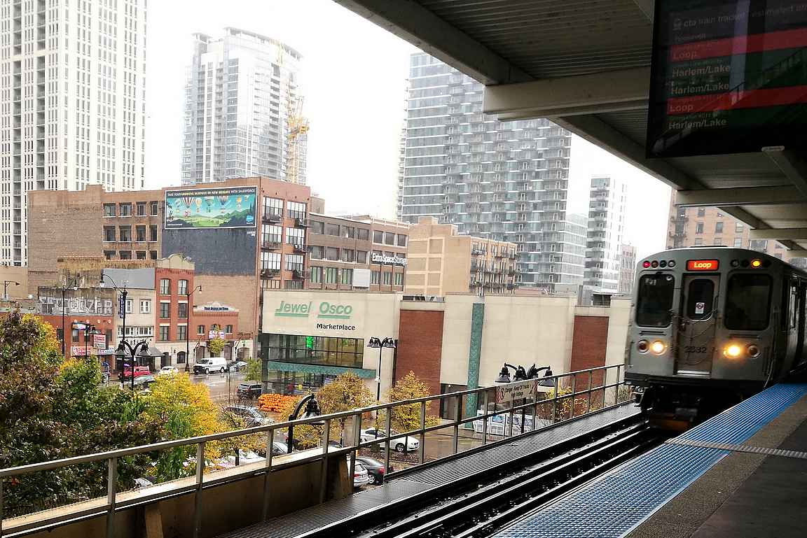 Katujen päällä kulkeva metroverkosto on merkittävä osa Chicagon arkkitehtuuria.