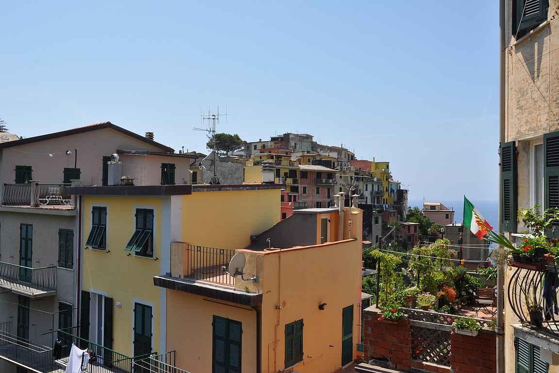 Corniglio sijaitsee Cinque Terren kylistä korkeimmalla.