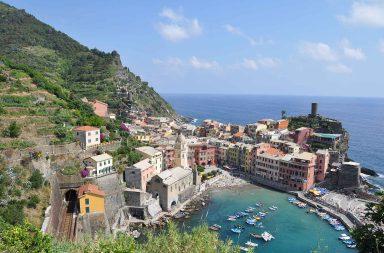 Monet pitävät Vernezzaa Cinque Terren kauneimpana kylänä.