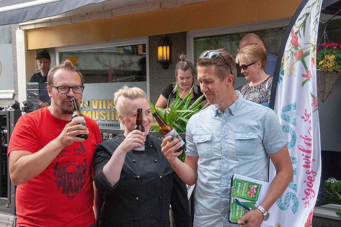 Satoa Goes Wild tapahtumassa Jussi Vatasen kanssa maisteltiin Ravintola King's Crownissa myös Iso-Kallan panimon mökkiolutta pohjoissavolaisen ruokakulttuurin tutustumisretkellä.