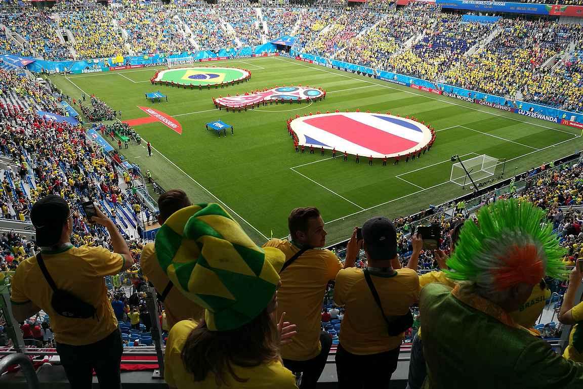 Jalkapallon MM-kisat ja Pietari ovat molemmat elämyksiä.