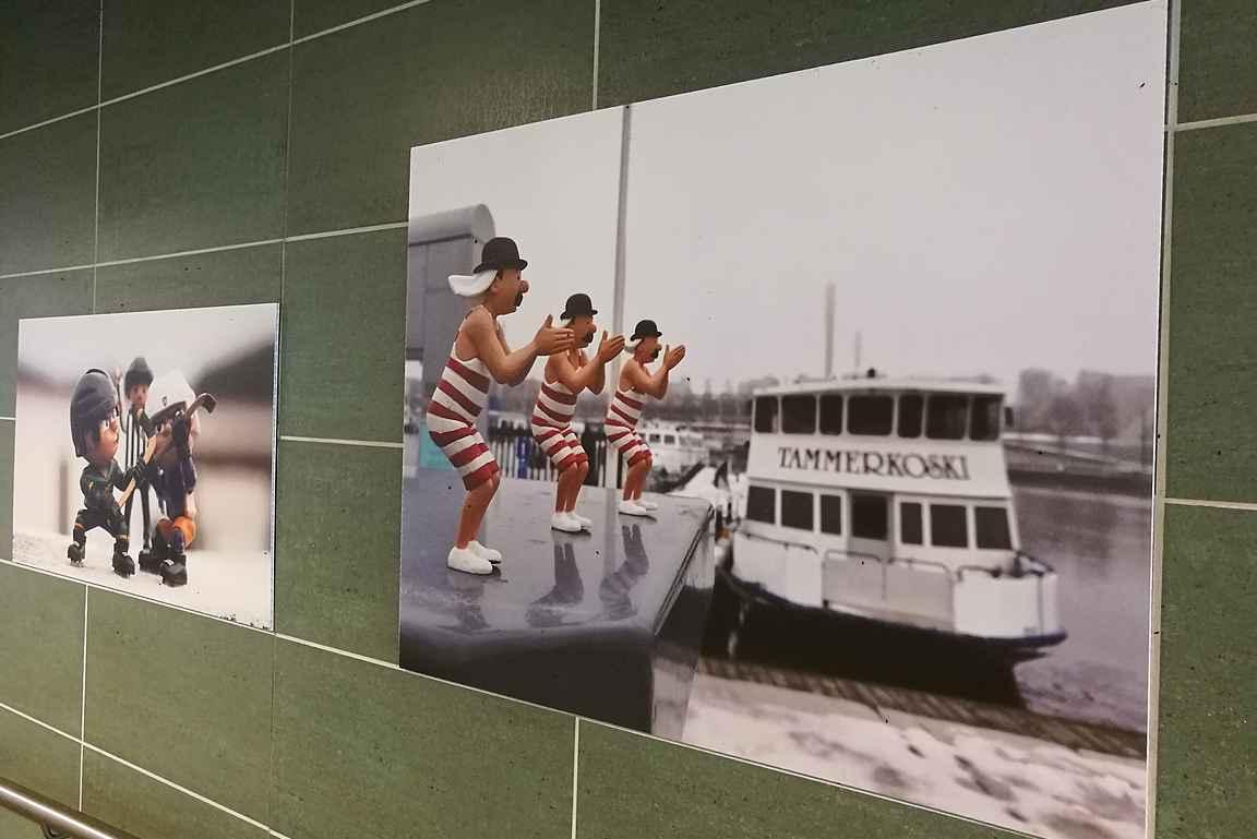 Tampereen rautatieasemalla oli mielenkiintoinen taidenäyttely.