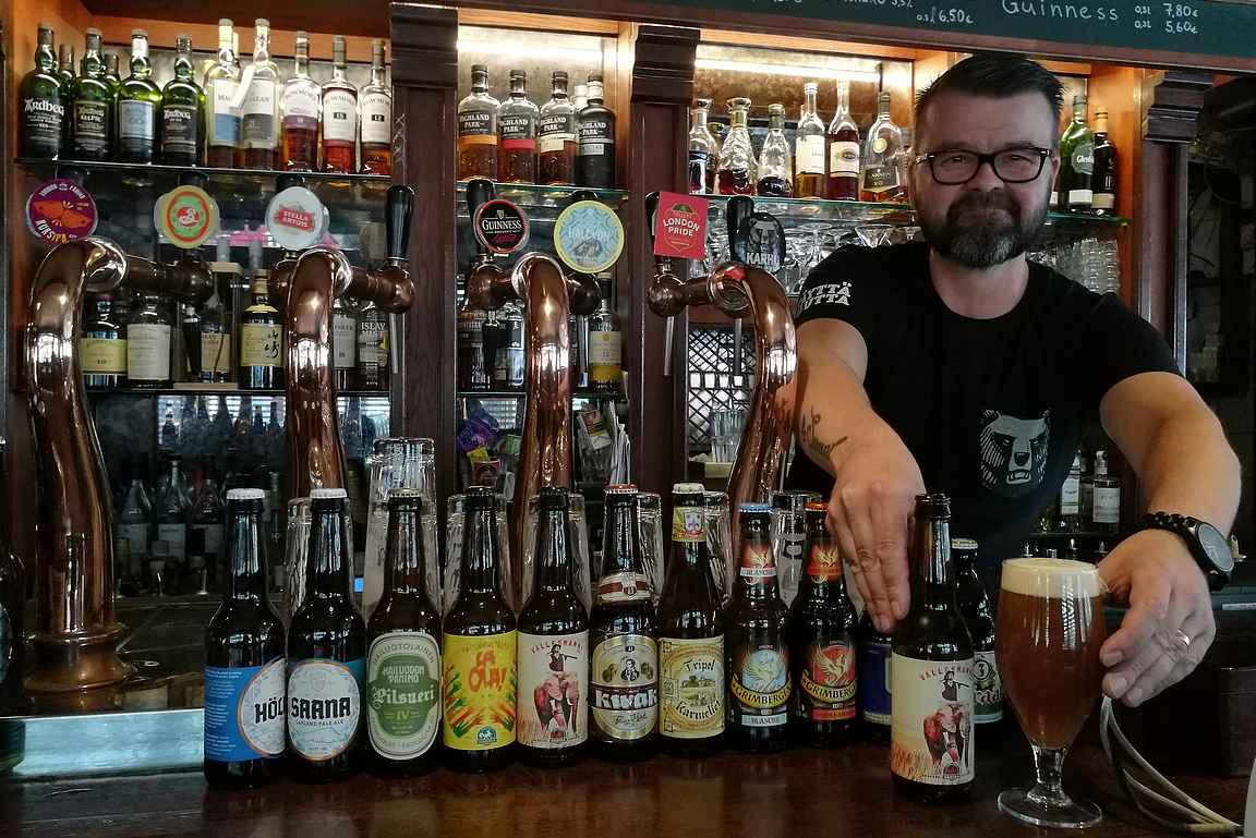 Graalin mahtavaa olutvalikoima ja asiantunteva baarimestari Kari on toimiva yhdistelmä oluen ystävälle.
