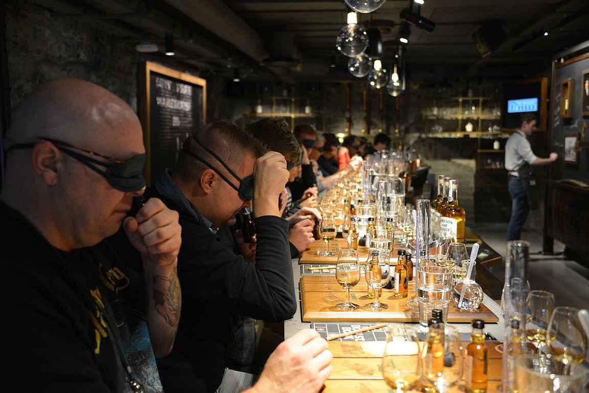 Miten on, alkoiko viskivalmistamisen kierros kiinnostamaan ja oletko käynyt tutustumassa viskitislaamoihin maailmalla?