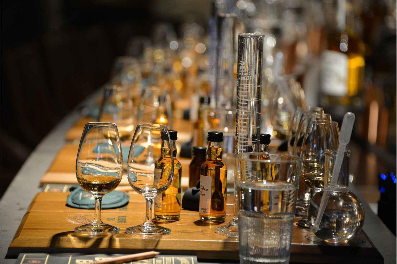 Jamesonin viskitislaamo Dublinissa - viskintekijän kierros