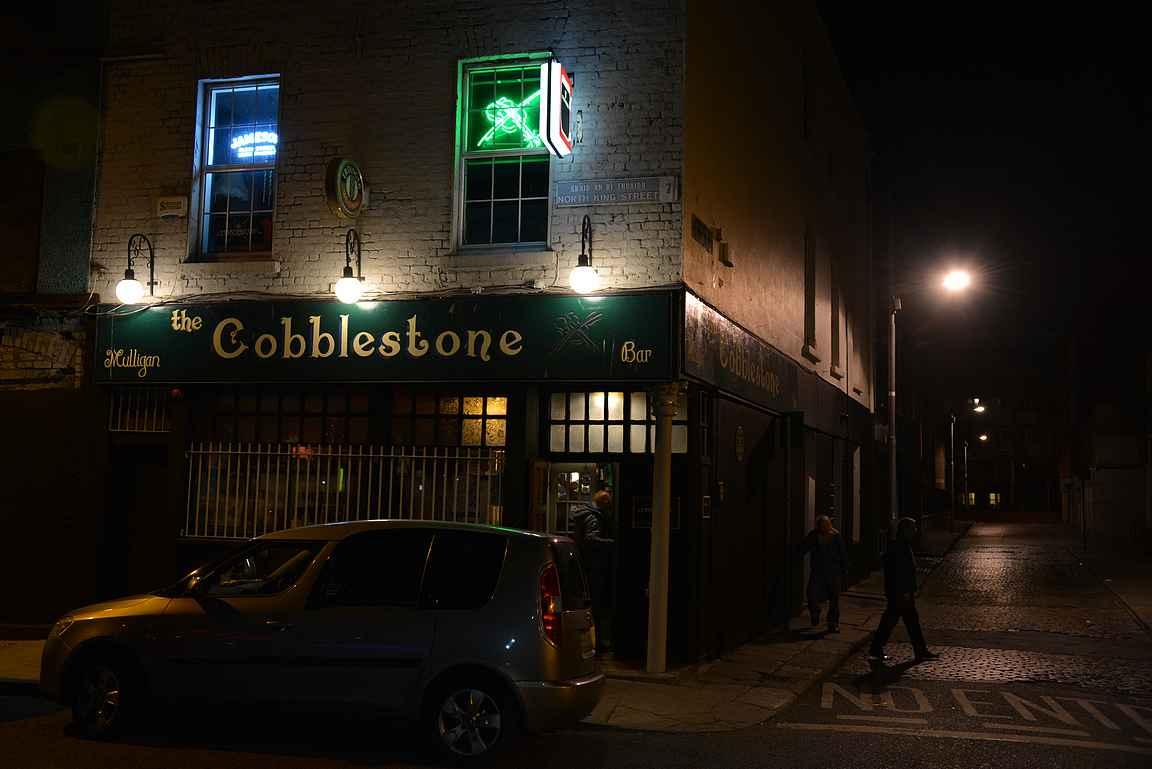 The Cobblestone - maalaispubin tunnelmaa keskellä Dublinia.