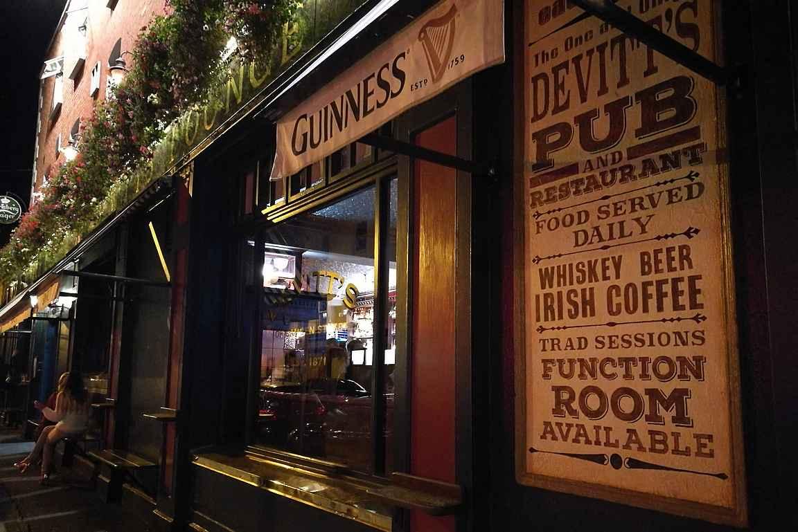 Devitt's on Camden Streetin eteläisin laatupub, minne kannattaa suunnata Dublinissa.