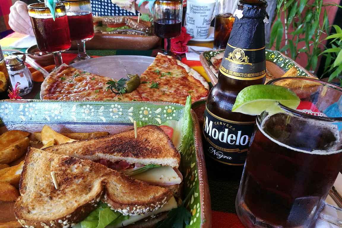 Ravintola La Hacienda de Oro tarjoilee laadukasta ruokaa upeilla maisemilla.