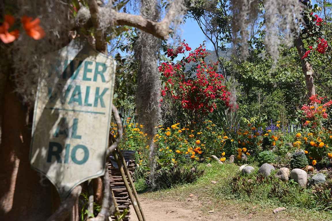 River Walk on helppo luontopolku läheisen joen rantaan.