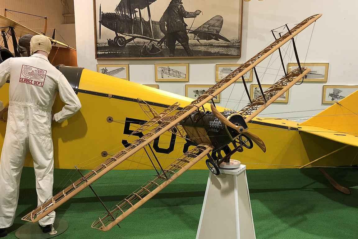 Glenn Curtiss suunnitteli aikakautensa kuuluisimman lentokoneen.